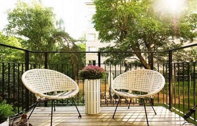 Amenajare balcon deschis amenajari interioare poze si for Small balcony seating ideas
