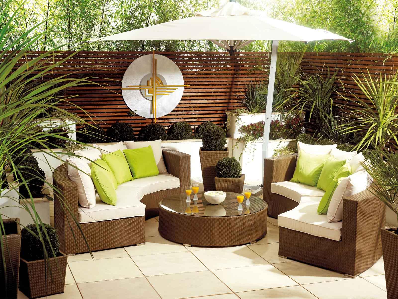 Amenajati o mini cascada in curte amenajari interioare poze si idei design - Patio furniture ideas pinterest ...