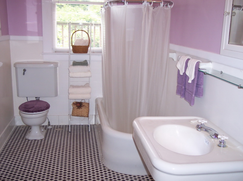 baie cu dulap incorporat